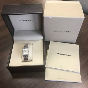 💙BURBERRY WOMENS WATCH💙